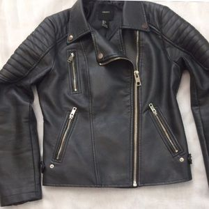 Faux unbuckle black jacket
